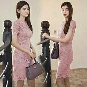 1). LVR.7 DRESS KENDAL PINK