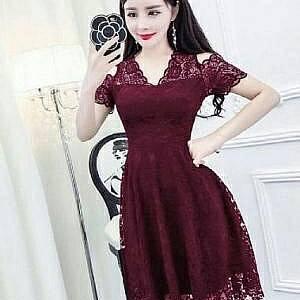 1). LVR.8 DRESS HANIN MAROON