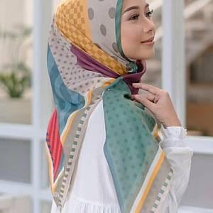 Prada jilbab