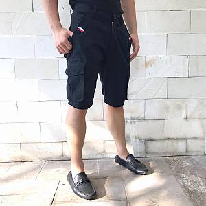 Black short cargo chinos