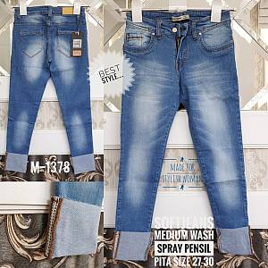 Softjeans Medium Wash Roll Up Size 27-30